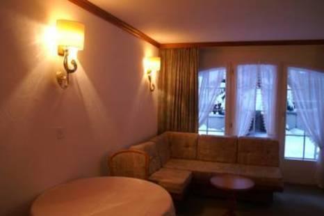 La Perle Hotel