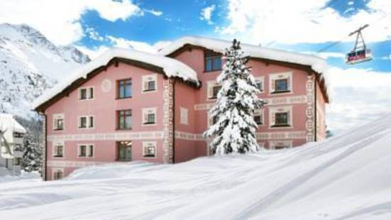 Cervus Hotel
