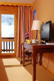 Arolles Hotel