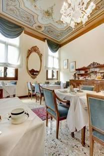 Palazzo Schiavoni Hotel