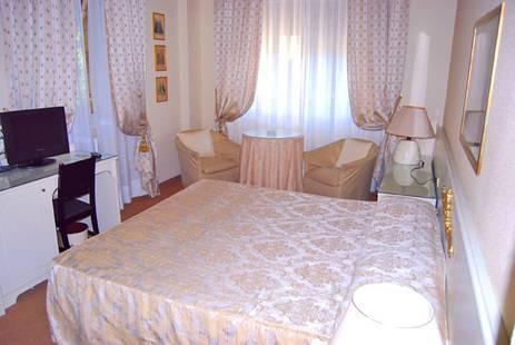 Tigullio Et De Milan Hotel