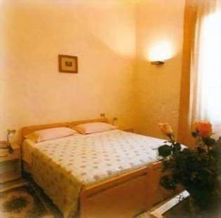 Tonfoni Hotel