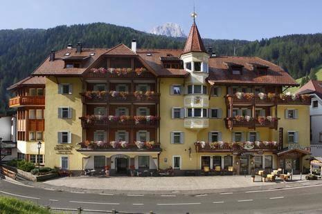 Corona Krone Hotel
