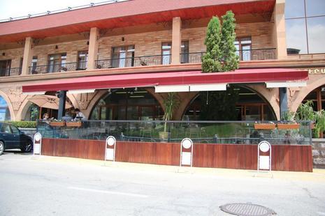 Kecharis Hotel