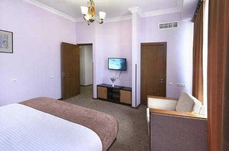 Ani Central Inn (Ex.Silachi Hotel)