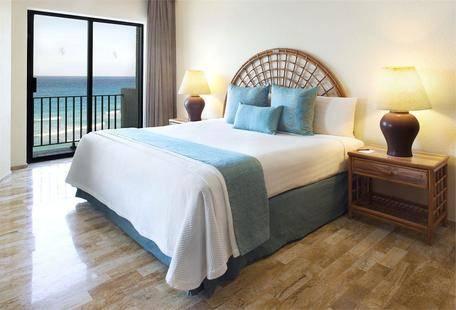 Emporio Hotel & Suites