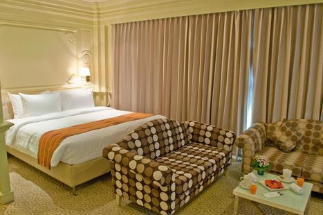 Kingston Suites