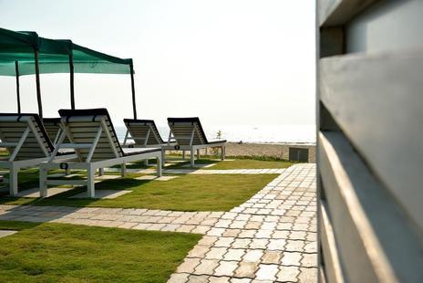 Majestic Beach Comforts