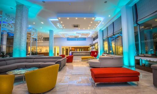 Nicolas Color Hotel