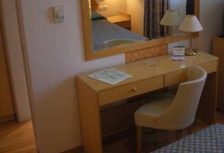 Glyfada Hotel