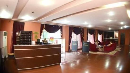 G-Bakuri Hotel