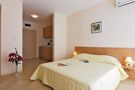 Emberly Apart Hotel