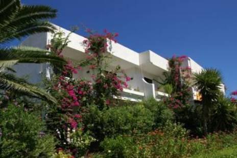 Tina Flora Hotel