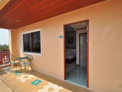 Baan Phil Guest House