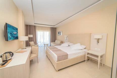 Maritim Antonine Hotel & Spa
