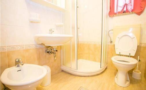Marinella & Enrica Private Apartment