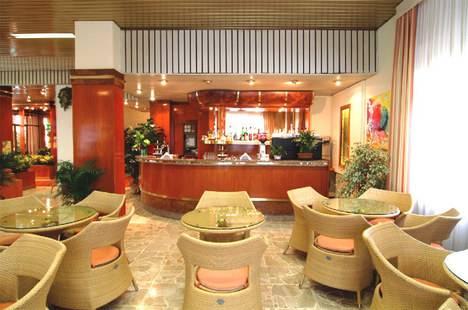 Kristall Hotel