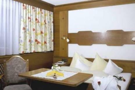 Kardona Hotel