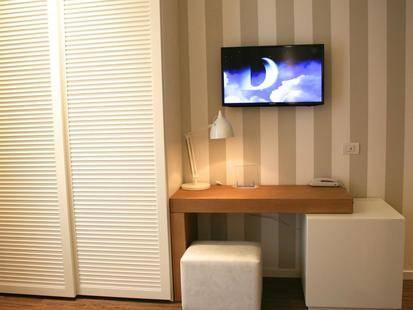 Select Suites & Spa