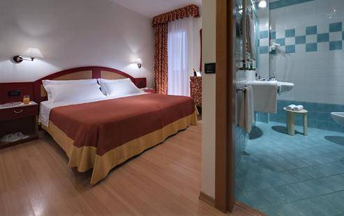 Orient & Pacific Hotel
