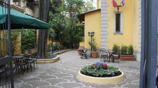 Relais Patrizi Hotel