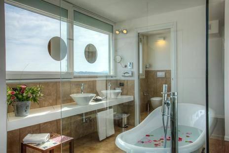 D-Place Aparthotel & Suite