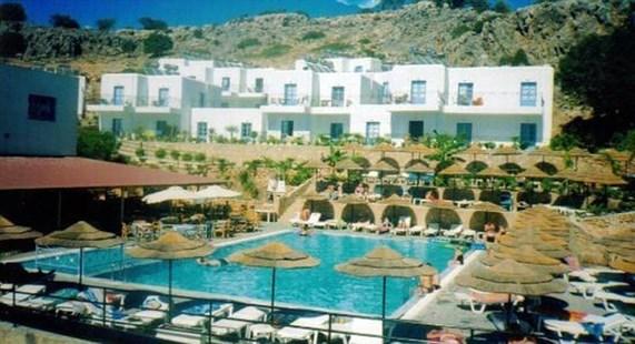 Finas Hotel