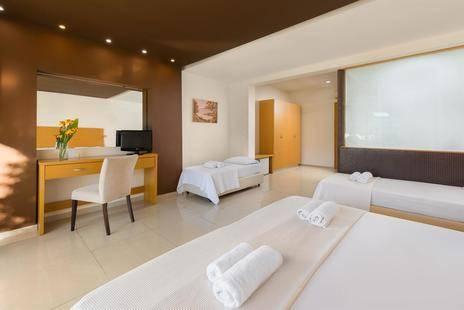 Anavadia Hotel