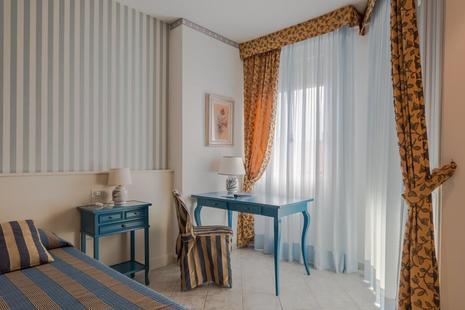 Vina Del Mar Pineta Hotel
