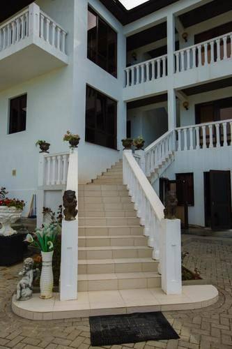 Гостевой Дом Белый (White Hotel)