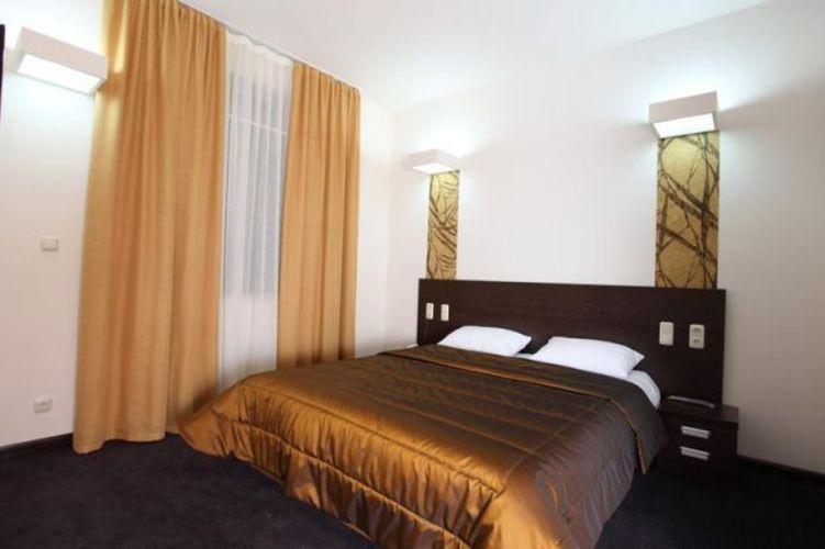 Cascade Hotel