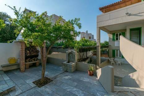 Mitos Apartments