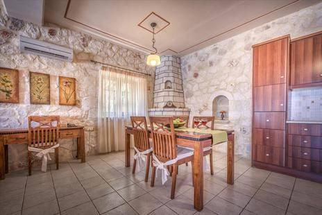 Classic Villa In Agios Nikolaos Zkth