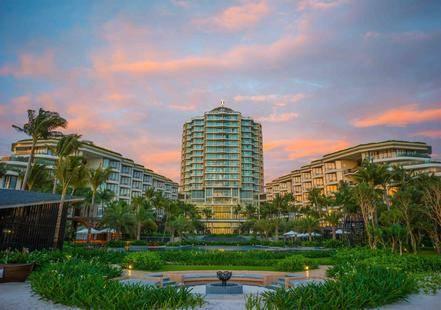 Intercontinental Phu Quoc Long Beach Resort