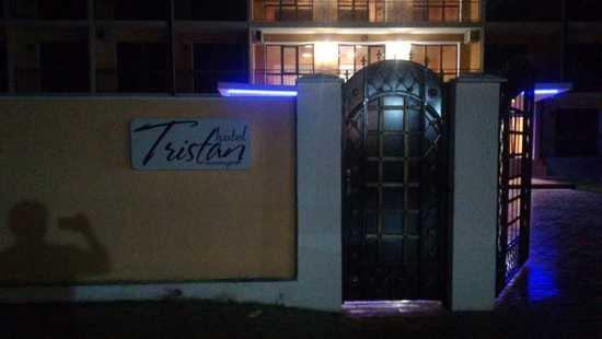 Отель Тристан