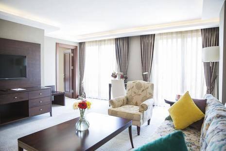 Grand Aras Hotel & Suites