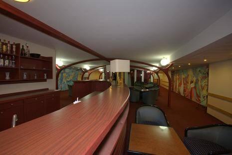 Aquamarina Boat Hotel