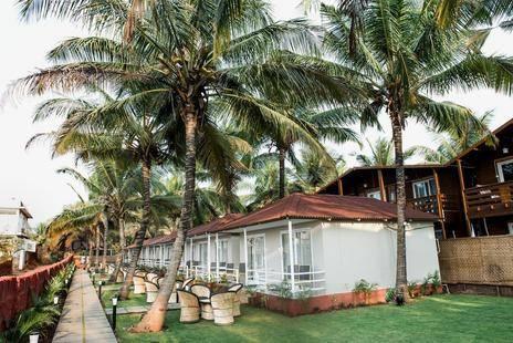 Arabian Sands Beach Resort