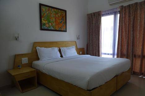 Kailas Holiday Inn