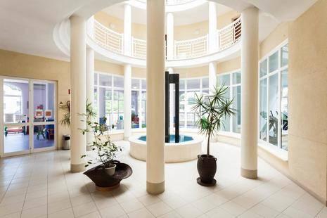 Floramar Aparthotel