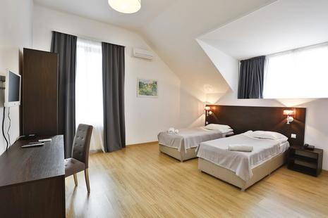 Chardonay Hotel