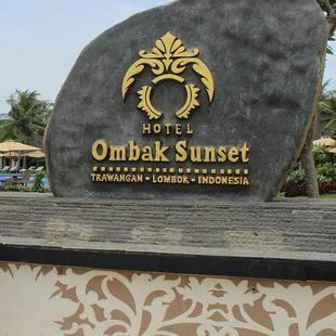 Ombak Sunset