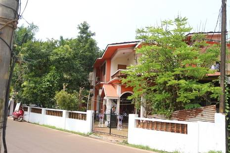 Mayonna Creekside Guesthouse
