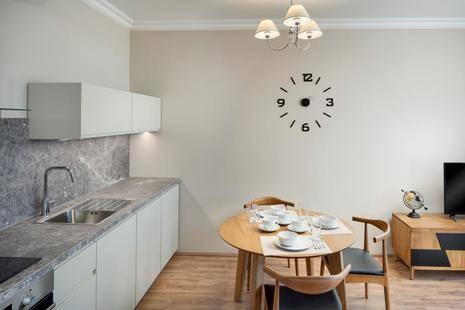 Louren Apartments