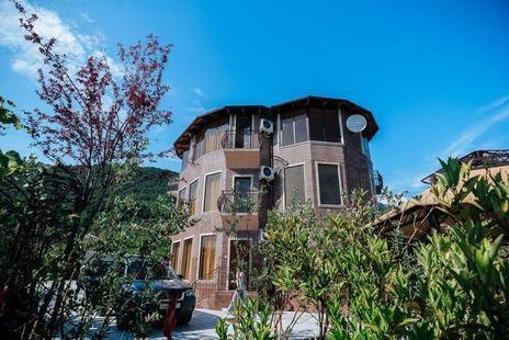 Villa Familia (Бывш. Вилла Леоны)
