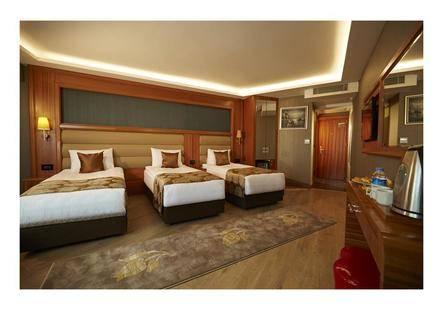 Ilkbal Deluxe Hotel