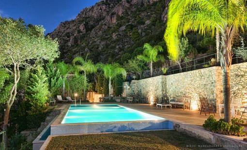 Villa Mos