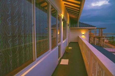 Hikka Ocean Resort