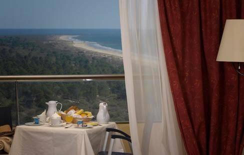 Yellow Praia Montegordo