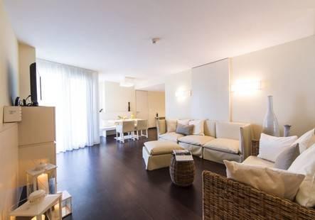 Falk. Premium Apartments Senia